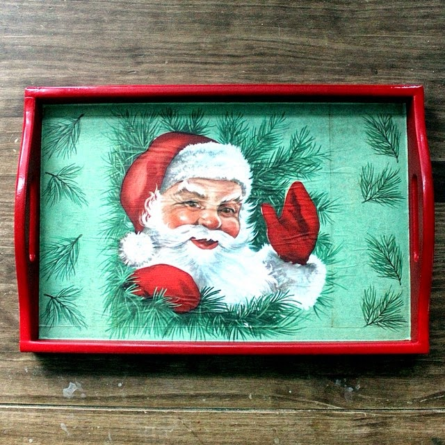 #thriftscorethursday Week 45 | Instagram user: boxycolonial shows off this Santa Tray