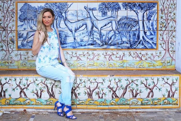 look do dia, ootd, outfit, look of the day, ripped jeans, boyfriend, calças rasgadas, look casual, padrão floral, renda, azul cobalto, branco, jardim botânico de lisboa, style statement, dicas de imagem, blog de moda portugal, blogues de moda portugueses, tendências, primavera verão 2014
