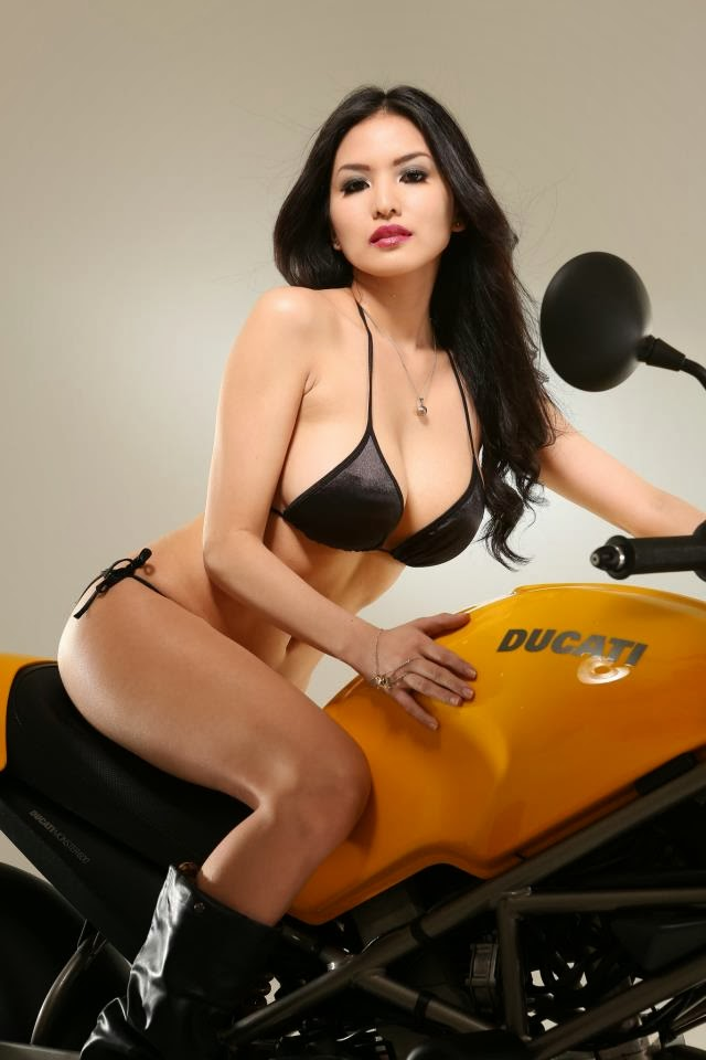 abby poblador with ducati big bike 02