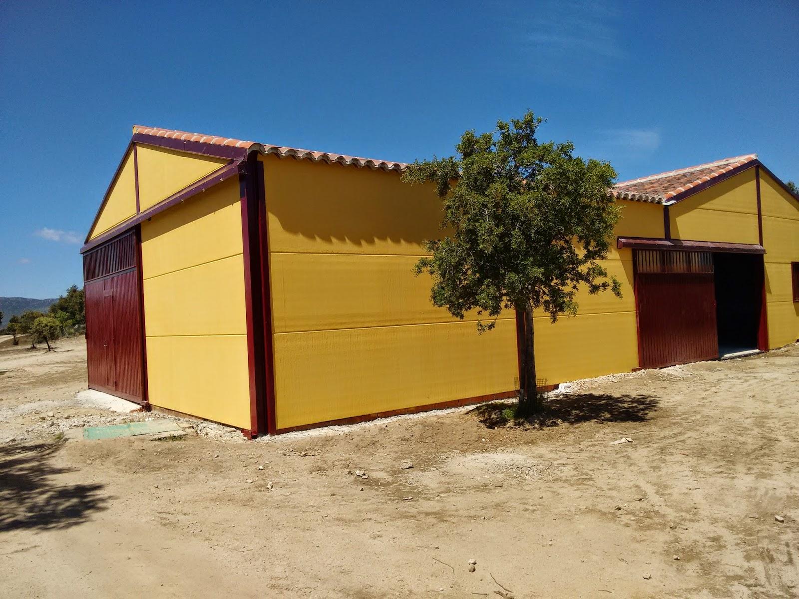 Boxes desmontables boxes para caballos en madrid boxes for Naves prefabricadas de ocasion