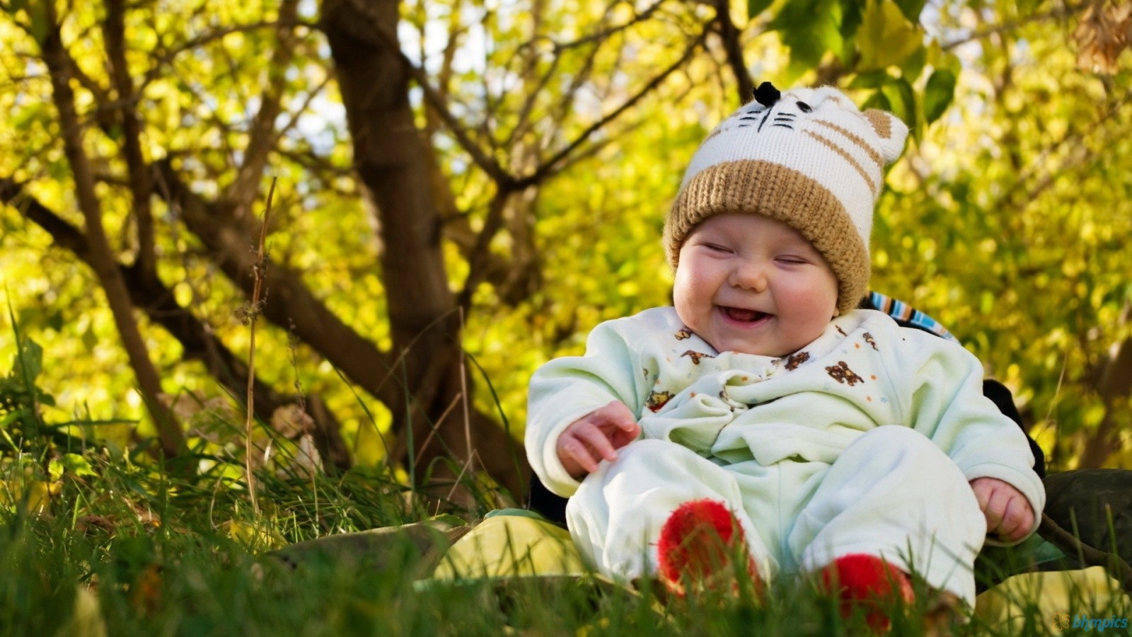 Small Cute Babies Wallpapers Photo