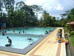 kolam renang bandar