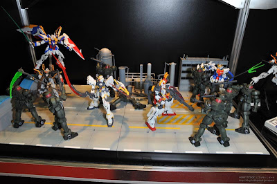 MG Gundam Wing EW War Diorama