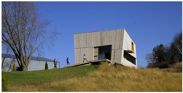 Barn house by Alchemy Architects