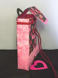 Geschenkbox Seitenansicht