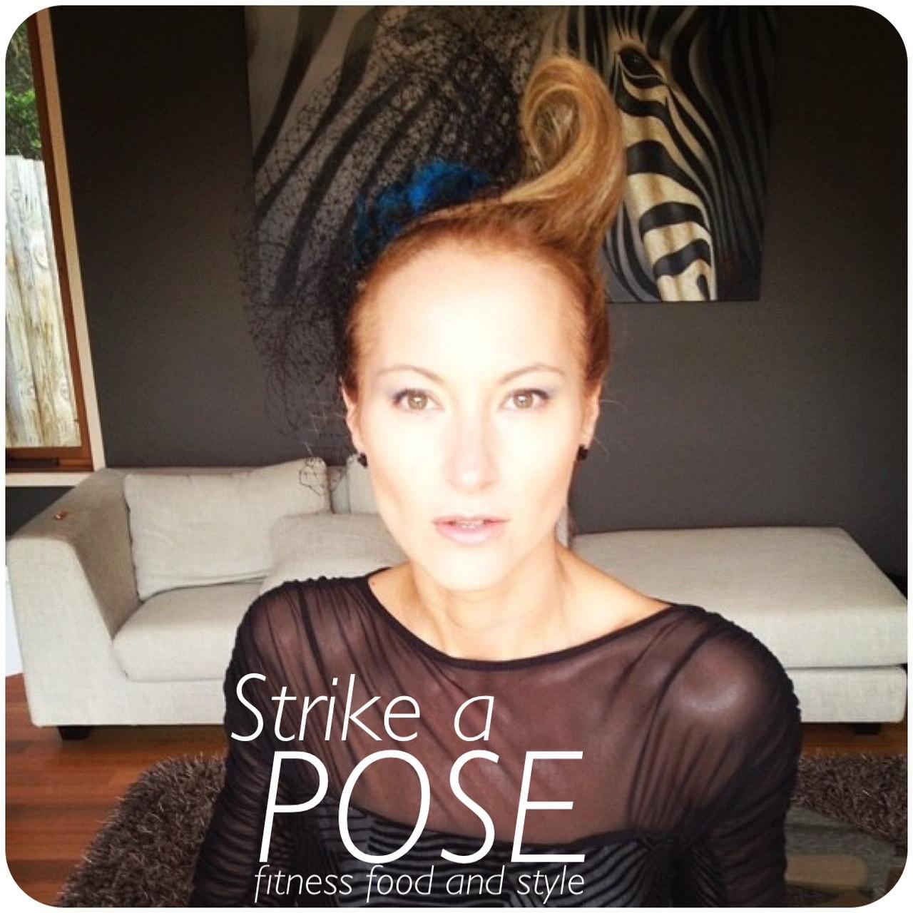 http://3.bp.blogspot.com/-i5Kq5za8b6g/UJuqjakSCqI/AAAAAAAAGHE/uA18JxW3snA/s1600/dani+blog+fascinator+front+pose.jpeg