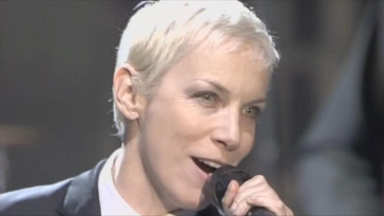 """Annie Lennox (Eurythmics) canta: """"Hoy he salvado el mundo"""""""