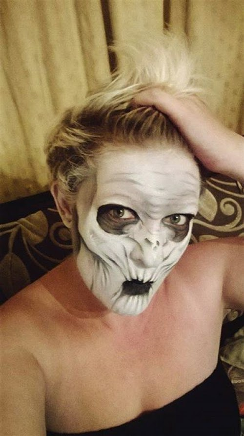 25-Nikki-Shelley-Halloween-Changing-Faces-Body-Paint-www-designstack-co