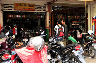 Tampak_Depan_Bengkel_Mandiri_Motor_Surabaya