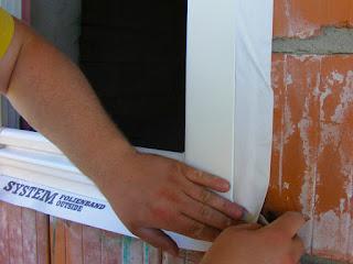 Montaż warstwowy okna - taśma zewnętrzna