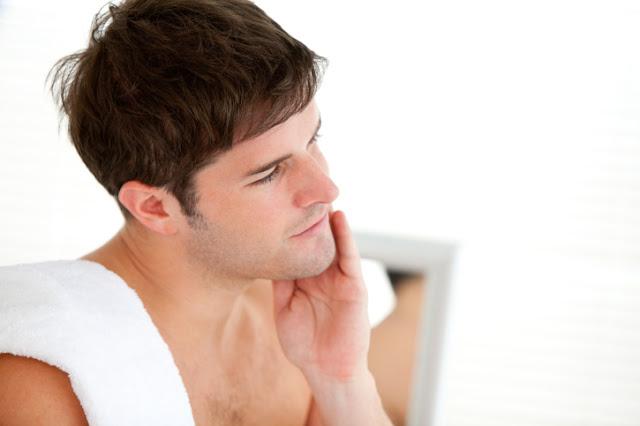 A Acne é uma doença típica da adolescência que se inicia em média aos 12  anos de idade e interrompe-se na segunda década de vida, entre os 20 e 25  anos de ... 05099a44d3