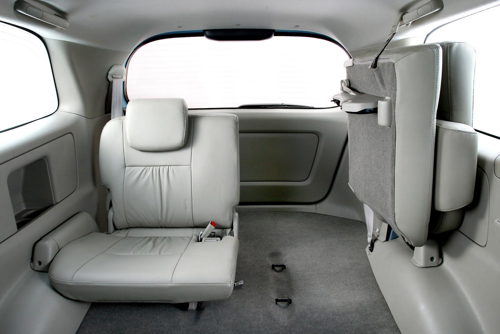 toyota innova for the people ~ bmw car gallery image