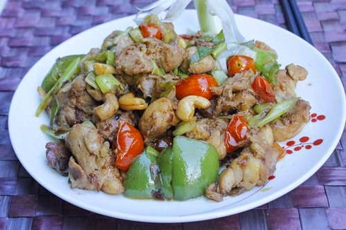 Fried Chicken with Vegetables - Gà Xào Cung Bửu