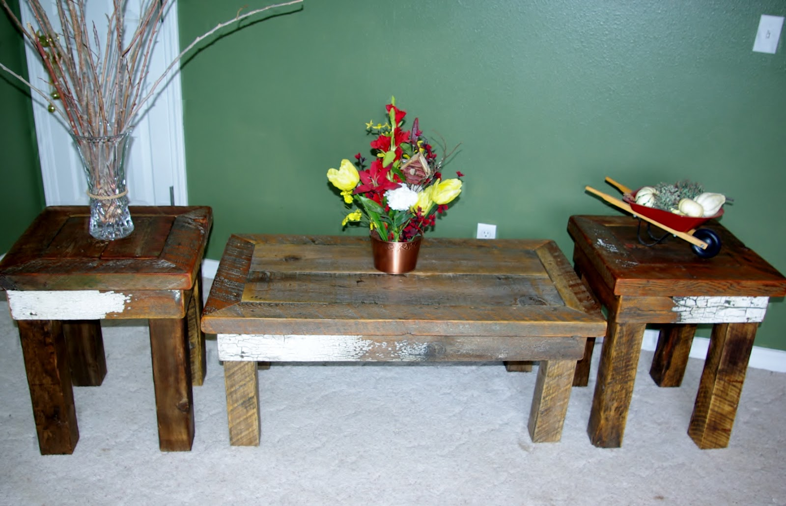Reclaimed Rustics Rustic Coffee Table Matching End Tables
