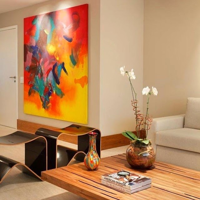 quadros e enfeites coloridos na decoração @casavoguebrasil