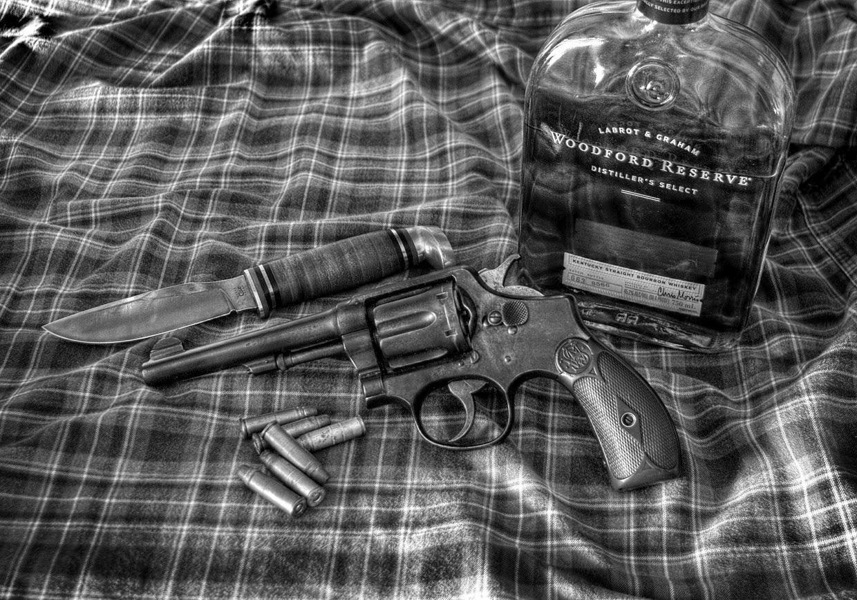 publicité avec couteau - whisky bourbon Woodford Reserve