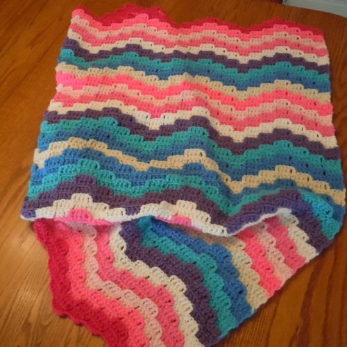 Rainbow Waves Throw - Free Pattern