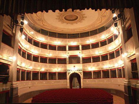 Bagno roberto lido di camaiore concerto di capodanno al teatro dell 39 olivo camaiore - Il bagno teatro ...