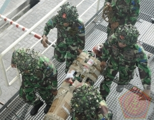 117 Siswa Pusdikes Dilatih Evakuasi Korban Nuklir Biologi Kimia