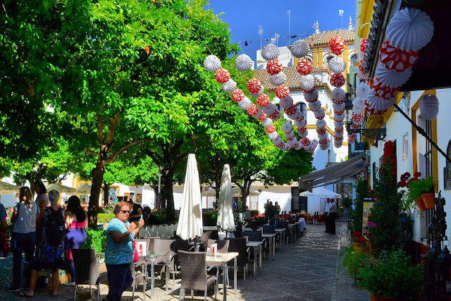The vibrant colors of Spain come to life in this square in Sevilla.
