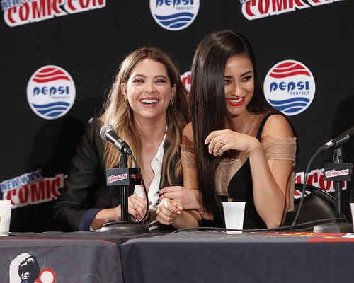 ButtahBenzo (Ashley Benson and Shay Mitchell) at New York Comic Con