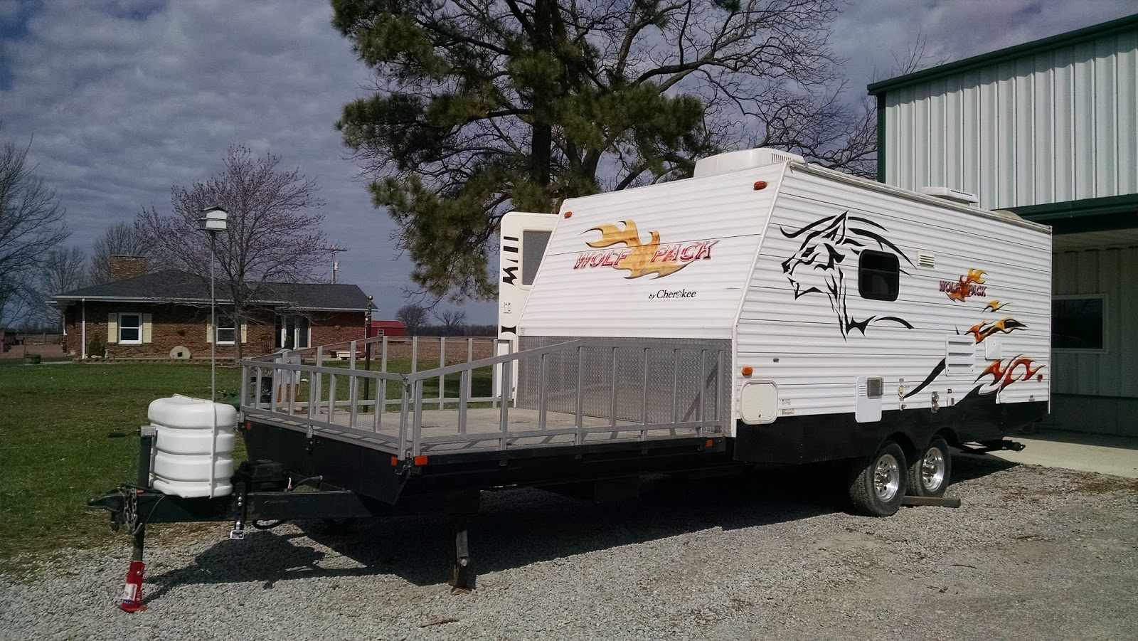 Amerideckmidwest toy hauler challenged for Motor home toy hauler