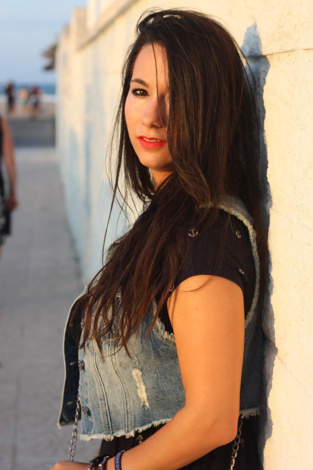 http://silviparalasamigas.blogspot.com.es/2014/07/vestido-estampado-anclas.html