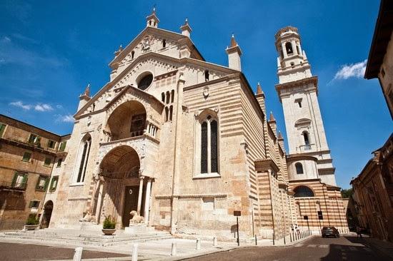 Iglesia Santa Maria Matricolare en Verona, Italia