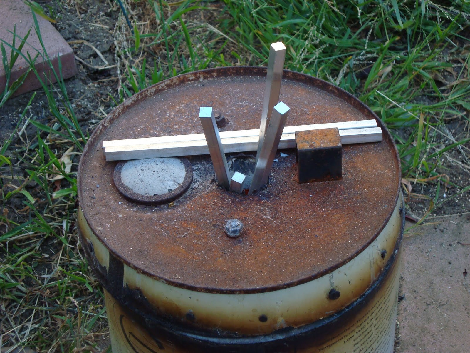 the rod disorder casting at home making the flower pot furnace