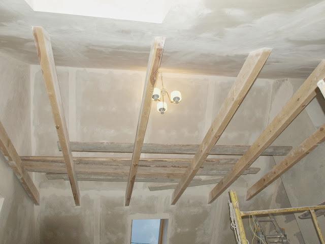remont starego domu poddasze zabudowa strop dach belki