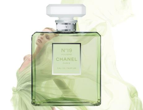 Best Things in Beauty  Chanel N°19 Poudré Eau de Parfum 9472a42c8770