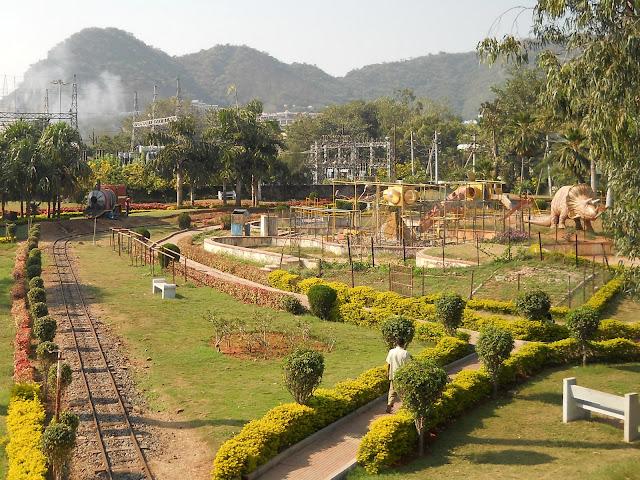 парк Виджаявады с детской железной дорогой
