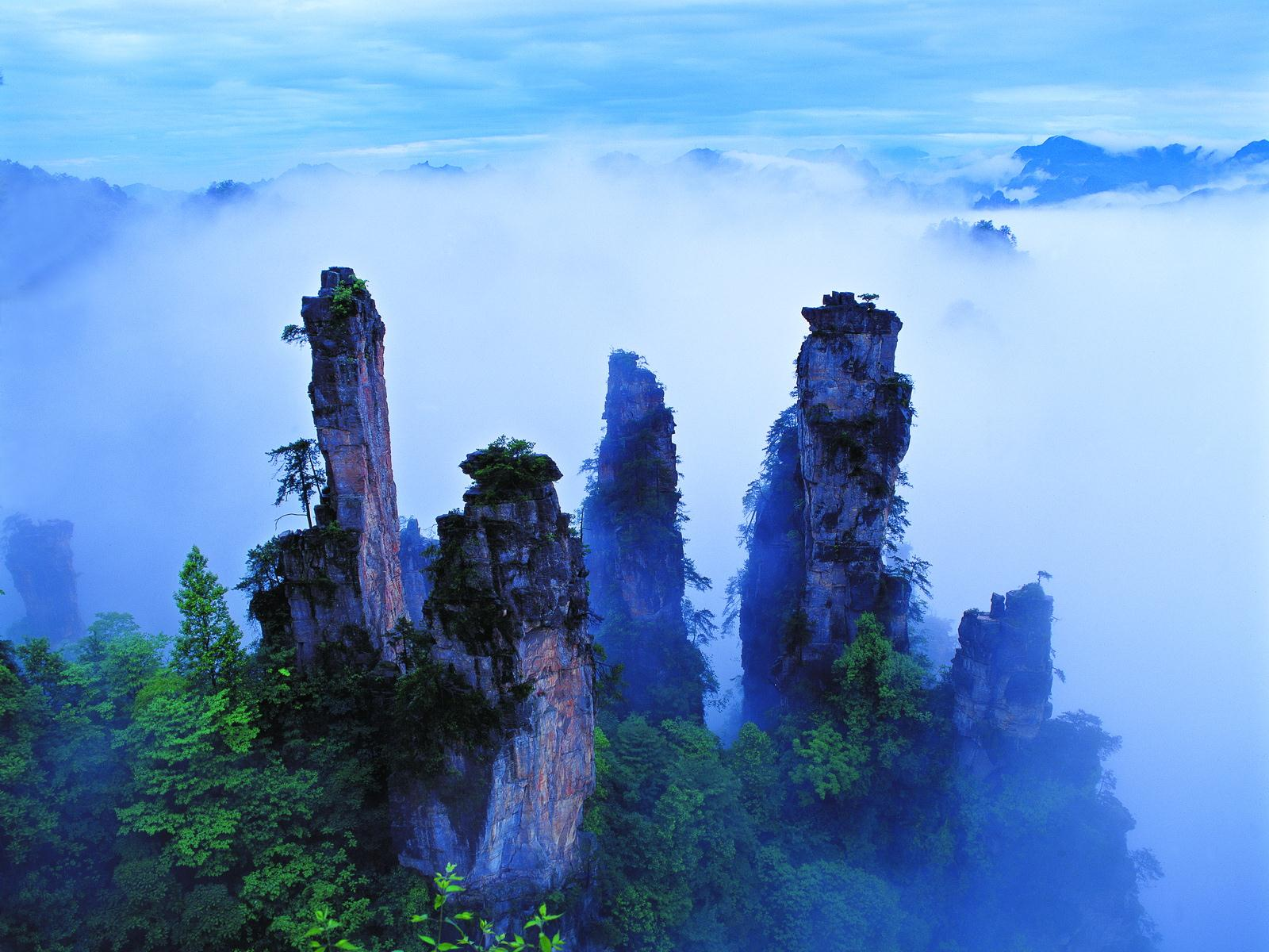 wallpaper: zhangjiajie national park of china (wulingyuan scenic area)