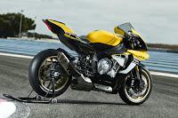 Yamaha YZF-R1 60th Anniversary Edition (2016) Rear Side