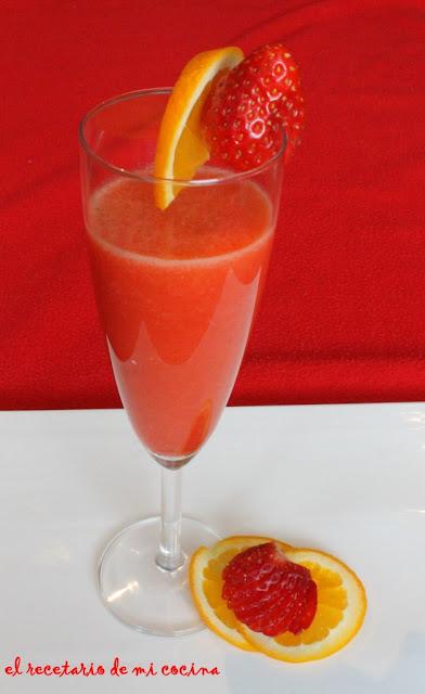 Zumo de naranja y fresa