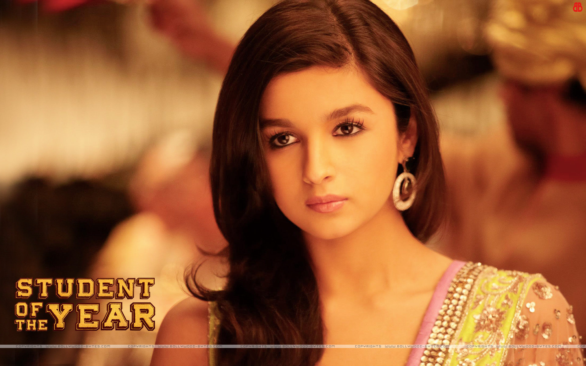 alia bhatt in student of the year wallpapers - 50 Beautiful Alia Bhatt Wallpapers and Pics PhotoShotoh