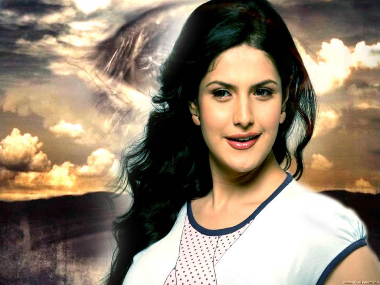 Zareen Khan Wallpaper ...