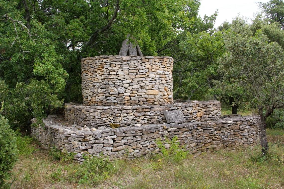 piedra de antiguas se recomienda consultar el siguiente enlace ya que es la nica fuente que he encontrado y habla de estas curiosas