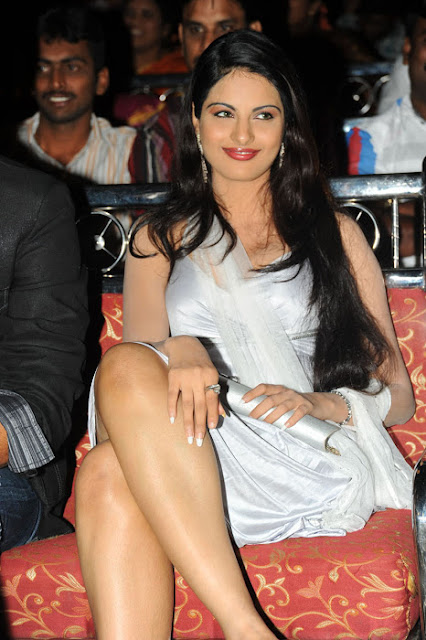 JInal Pandya in Silver Skirt showing her milky thighs in an Event, New Pictures Online