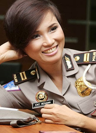 Foto Polwan Cantik Indonesia (Eny Kuswidiyanti Regama)