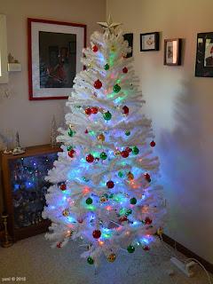 hot little white christmas tree
