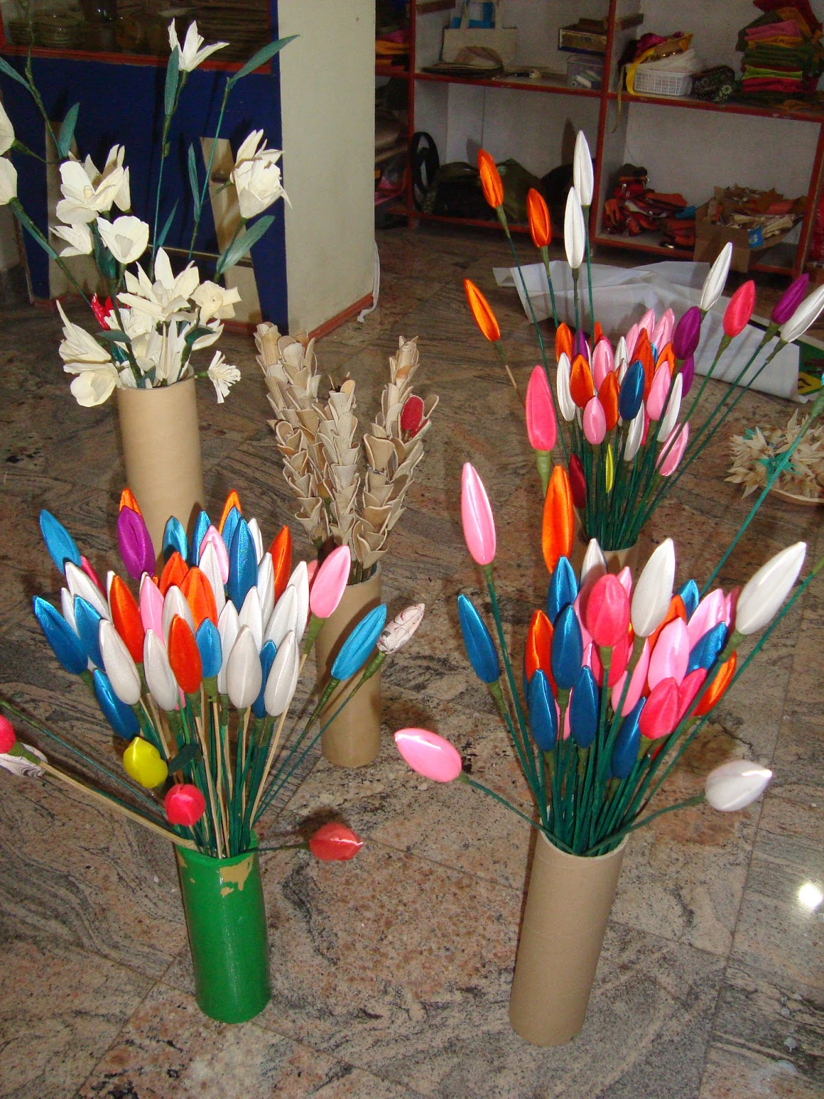 Crafts work by using waste material of flowets for Waste crafts making