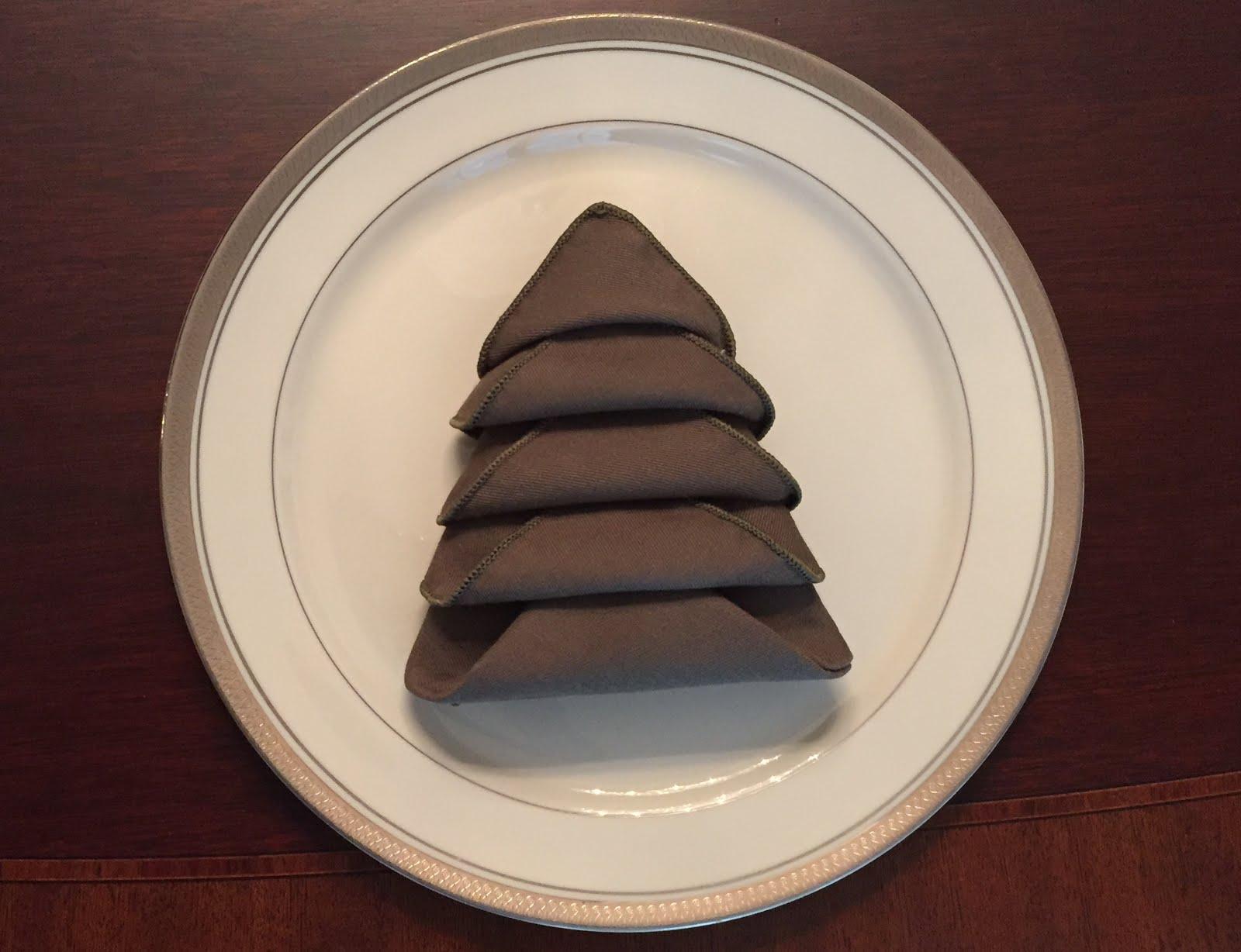 how to fold a cloth napkin into a christmas tree