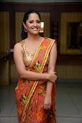 anasuya sizzling saree stills-thumbnail-7