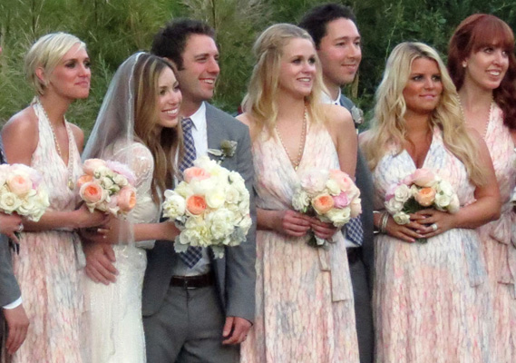 Bump watch jessica simpson ashlee simpson bridesmaids in wedding jessica simpson and her sister ashlee simpson were both bridesmaids in their friend and assistant lauren zelmans wedding to tv anchor bret harrison this junglespirit Choice Image