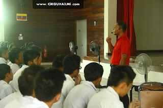 Bengkel Teknik Menjawab Soalan Sains PMR di SMK Bakun, Belaga