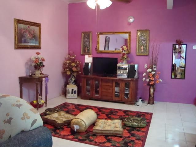 rumahku syurgaku dekorasi ruang tamu berwarna purple