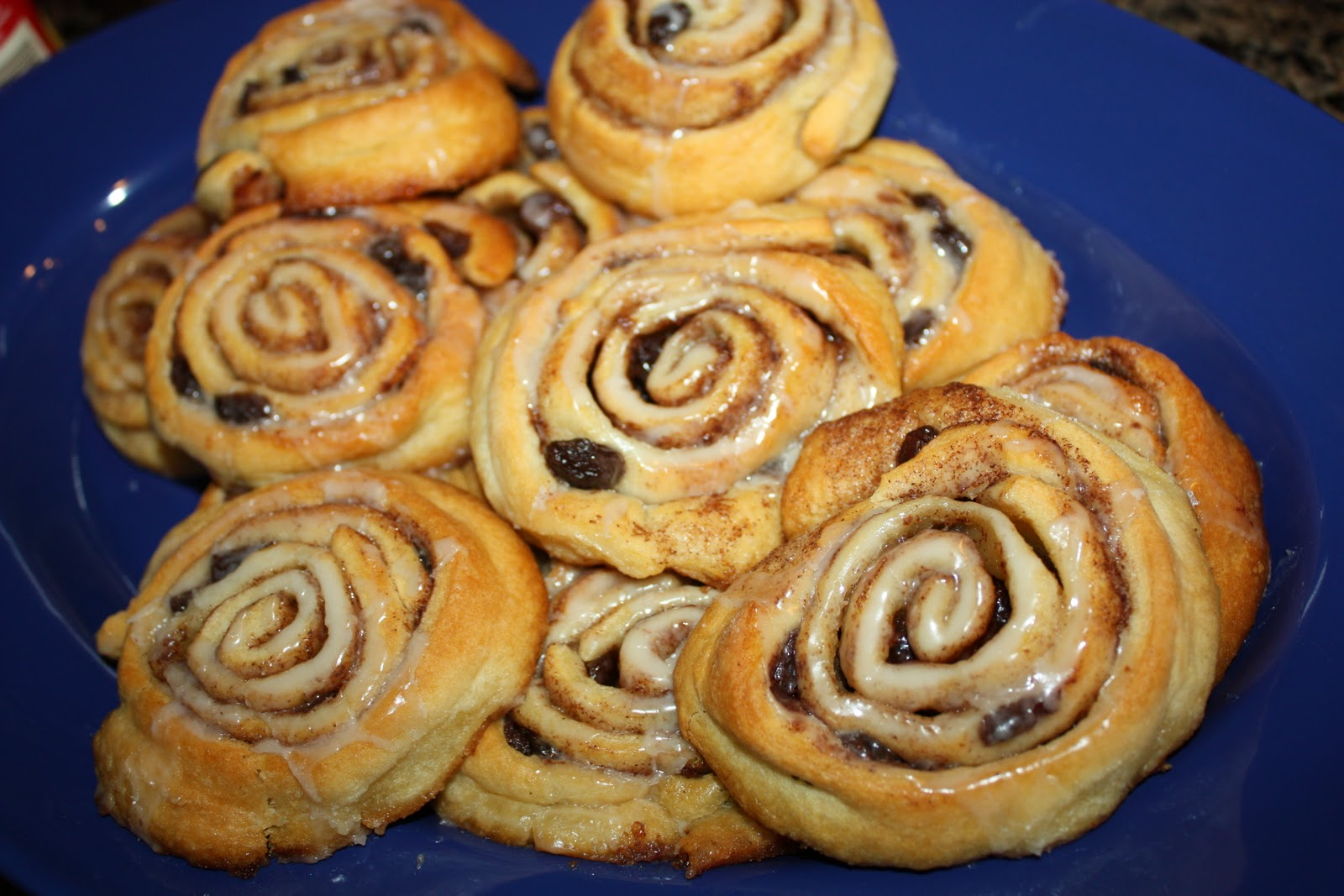 Recipe: Sticky Cinnamon Raisin Buns | allergenmenumom