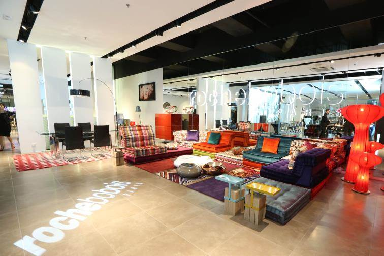 roche bobois opens first showroom in hong kong hkblogger. Black Bedroom Furniture Sets. Home Design Ideas