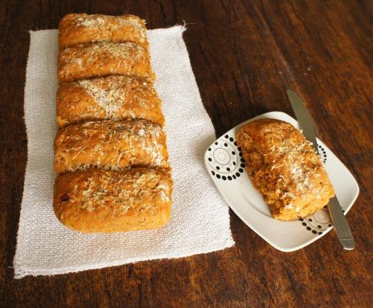 pão com tomate seco e pesto